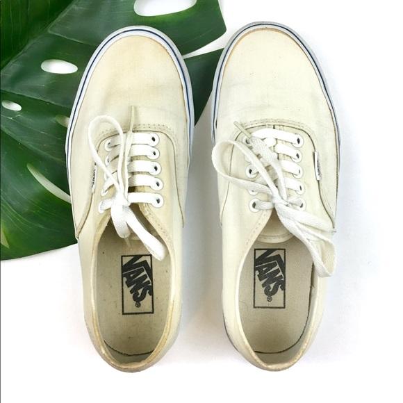 264f78aab963fb Vans Unisex Core Classic Birch Canvas Sneakers. M 5b309b8495199697a68ba3c7